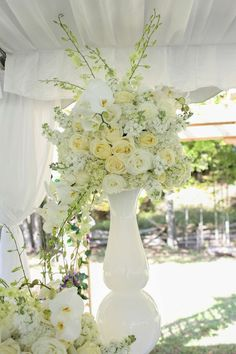 Welcome - Chic Wedding Planners / Chic Event Planners Centerpieces, Table Decorations, Event Planners, Wedding Planners, Chic Wedding, Corsage, Floral Design, Bouquet, Bloom