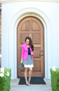 Black and white with a big splash of hot pink #blazer #fashion #style