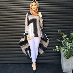 The Box Print Ruffle Top😍 Broadmeadows open till tonight ✨ Abaya Fashion, Fashion Moda, Girl Fashion, Fashion Outfits, Womens Fashion, Fashion Clothes, Islamic Fashion, Muslim Fashion, Modest Fashion