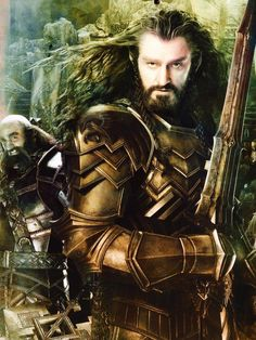 Thorin in golden armor in The Hobbit: Battle of the Five Armies from @MoustacheLuke / twitter
