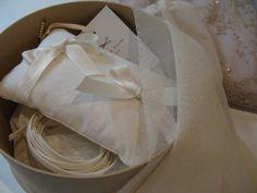 ring pillow . cotton veil . belt