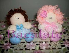 Como fazer BONECA de FUXICO LEMBRANCINHA ~ BACALATE Doll Crafts, Doll Patterns, Baby Dolls, Diy And Crafts, Christmas Ornaments, Holiday Decor, Home Decor, Bookmarks, Couture