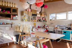 Pato and Pablo's home / Buenos Aires Craft Room Ideas On A Budget, Diy On A Budget, Craft Room Storage, Room Organization, Decor Crafts, Diy Home Decor, Bohemian Kitchen, Casa Real, Pottery Studio