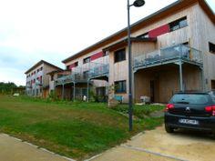 Chevaigné (35) Habitat collectif autogéré - potager partagé et bâtiment collectif auto-construit en paille
