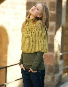 Model / Pattern of Cape of Woman of Autumn / Winter from KATIA Baby Knitting Patterns, Shawl Patterns, Loom Knitting, Hand Knitting, Knit Shrug, Crochet Poncho, Knitted Poncho, Knitted Shawls, Crochet Prayer Shawls