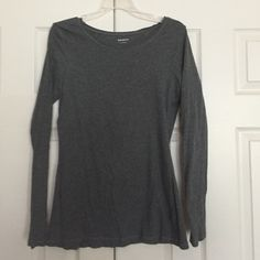 Gray long sleeve top Gray long sleeve top. Shows wear- some pilling. Please feel free to ask any questions or if you would like additional photos. Also, please feel free to make an offer! I will not be offended and you may be pleasantly surprised! Happy Poshing! Express Tops