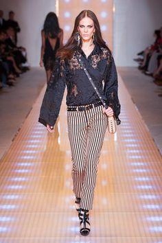Versace #pasarela #runway