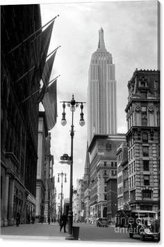 Photo New York, New York City Photos, New York Pictures, Old Pictures, Old Photos, Vintage Photos, Vintage Stuff, Times Square, 42nd Street