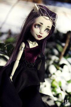 Monster High OOAK Rochelle Goyle repaint custom doll