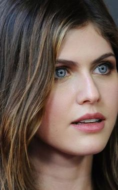 Alexandra Daddario Will Be Joining Kate Upton for 'The Layover' Most Beautiful Hollywood Actress, Beautiful Actresses, Hot Actresses, Hollywood Actresses, Scarlett Johansson, Alexandra Daddario Images, Beautiful Eyes, Pretty Woman, Pretty Girls