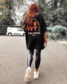 Nov 2019 - missy empire Heidi Black Graphic Oversized T-Shirt Oversized Shirt Outfit, Black Leggings Outfit, Legging Outfits, Outfit Jeans, Black Tshirt Outfit, Oversized Clothing, Mode Outfits, Fashion Outfits, School Outfits