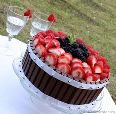 Kit Kat cake with fruits