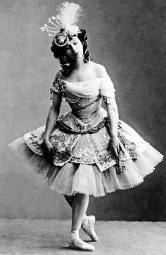 """Anna Pavlova in """"Le Pavillion d'Armide"""" St.Petersbourg 1909"""