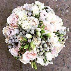 Have a lovely weekend! Bouquet by @loveliliandcocofloral . . . #meijerroses #wedding #weddinginspiration #weddingday #weddings #flowers #bride #love #instawedding #weddingstyle #beautiful #weddingideas #weddingdecor #weddingphotography #weddingphotographer #weddingdetails #bridal #bridetobe #flower #weddingplanning #flowerstagram #weddingphoto #weddingdress #weddingplanner #weddingparty #weddingseason #groom #marriage #weddinggown