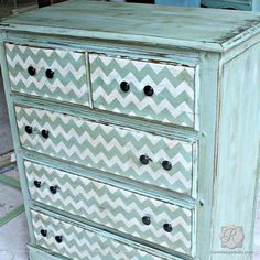 Chevron Furniture Stencil transforms this Mid-Century furniture by Drabs 2 Fabs in a snappy turquoise/white color combo. Black Painted Dressers, Blue Dresser, Dresser Sets, Old Dressers, Chevron Dresser, Refurbished Furniture, Repurposed Furniture, Furniture Makeover, Painted Furniture