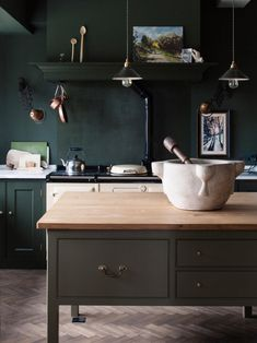 dark green kitchen ideas