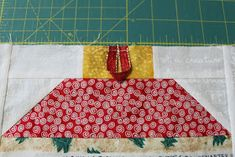 Live a Colorful Life: Sew Seasonal Blog Hop: Selvage Ornament Pillow Diy Fabric Pouches, Picnic Blanket, Outdoor Blanket, Colorful, Ornaments, Pillows, Sewing, Live, Blog