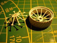 Fowler ploughing engine Z7, foto 3, wielen bouwen, building the wheels.