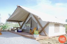 Ah, the art of glamping. Combining chic ideas with the outdoors, glamping is a way to have fun and be comfortable. Not quite camping yet not quite a s. Glam Camping, Camping Glamping, Outdoor Camping, Tent Living, Outdoor Living, Tent Design, Canvas Tent, Cool Tents, Ranch