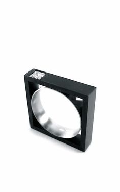 Iker Ortíz | Zara ring Jewelry Rings, Jewelry Accessories, Jewelry Design, Contemporary Jewellery, Modern Jewelry, Unusual Rings, Corian, Ring Designs, Jewerly