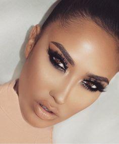 Eye Makeup Tips – How To Apply Eyeliner – Makeup Design Ideas Flawless Makeup, Gorgeous Makeup, Face Makeup, Smokey Eyes, Smokey Eye Makeup, Dramatic Smokey Eye, Eye Makeup Glitter, Make Up Tutorial Contouring, Eyeshadow Looks