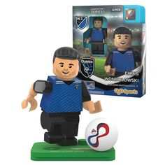 This is a MLS San Jose Earthquakes Chris Wondolowski G1S1 OYO Mini Figure. It's produced by OYO Sports. This mini figure comes with a uniform, authentic MLS soccer ball, hat, water bottle and a custom