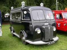 Old Hearses | 1951 PEUGEOT D3A Hearse for SALE : OLD VAN Archives