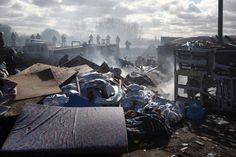 Dschungel in Trümmern: Nach der Räumung sollen einige Bewohner in neue Hütten...