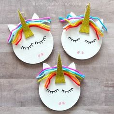 Do you have unicorn fans at your house? My daughter is obsessed with them so this year we are excited to add a DIY unicorn Christmas ornament to our Christmas tree. These colorful unicorn Christmas or