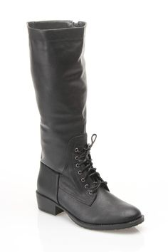 Equestrian Flat Boots. So stylish and look so comfortable. I can see them wearing these on Downton Abbey!