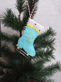 Check out this item in my Etsy shop https://www.etsy.com/listing/207899140/hand-embroidered-christmas-tree