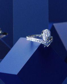 Scarf Packaging, Diamond Photography, Josephine, Chaumet, Pear Shaped Diamond, Jewel Box, Quality Diamonds, High Jewelry, Contemporary Jewellery