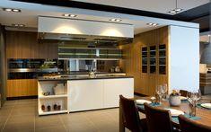 Entdecke unsere Ausstellungsküchen im Inforama! Küchen Design, Showroom, Kitchen, Table, Furniture, Home Decor, Interior Design Kitchen, Custom Kitchens, Kitchen Inspiration