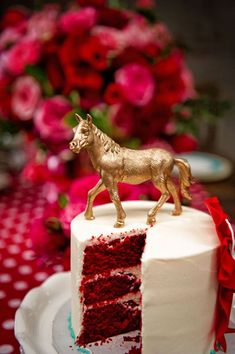 Kentucky Derby Party Food, Red Velvet Cake with Gold or Silver Horse on top. Derby Time, Derby Day, My Old Kentucky Home, Kentucky Derby, Kentucky Food, Sweet 16, Mardi Gras, Flower Box Centerpiece, Run For The Roses