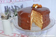 Tarta de Filloas al Ron con Crema de Castañas, Nata y Chocolate. on http://tallerdeazucar.es