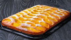 Vzpomínáte rádi na sladké pečivo od babičky? Připomeňte si jej stímto jednoduchým, a přitom skvělým receptem na piškotovou buchtu skonzervovanými broskvemi. Dezert ke kávě nebo čaji budete mít připravený do 45 minut včetně pečení. Peach Cake Recipes, No Cook Desserts, Waffles, Baking, Breakfast, Week End, Tiramisu, Food, Youtube