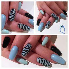 #coffinnails #ballerina #shape #lightblue #mintgreen #ombre #black #tiger #gelnails #nails #handpainted #nailart #ballerina #form #hellblau #mintgrün #farbverlauf #schwarz #tiger #muster #gelnägel #nägel #handgezeichnet #nagelkunst #nailqueen_janine #nagelstudio #möhlin inspired by @solinsnaglar