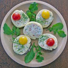 Goudaröllchen auf Brottalern, ein sehr schönes Rezept mit Bild aus der Kategorie Kalt. 6 Bewertungen: Ø 3,9. Tags: Brotspeise, Geheimrezept, kalt, Party, Snack, Vorspeise