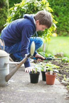 This gardening with kids guide is the answer to beginning the learning outdoors with your kids. If you are a seasoned gardener or new, this guide will help!