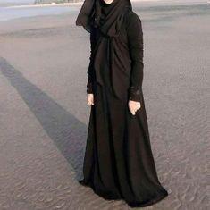 Beautiful Anime Girls With Black Hair Niqab Fashion, Muslim Fashion, Fashion Muslimah, Modest Fashion, Stylish Hijab, Hijab Chic, Beautiful Muslim Women, Beautiful Hijab, Beautiful Dolls