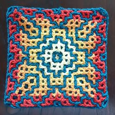 Interwoven crochet in de rondte en de flat join: nieuwe tutorials Crochet Lace Edging, Filet Crochet, Crochet Round, Crochet Squares, Crochet Granny, Crochet Borders, Granny Squares, Crochet Symbols, Crochet Stitches Patterns