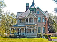 victorian houses pictures | via victorian style homes flickr group