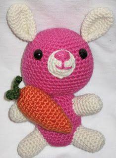 Ana Paula's Amigurumi Patterns & Random Cuteness: a little rabbit