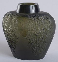 Lalique Vase Poivre, c.1921