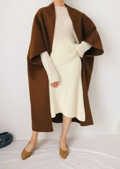 Capsule Wardrobe, Modest Fashion, Fashion Outfits, Mode Plus, Looks Street Style, Dark Khaki, Cashmere Wool, Minimalist Fashion, Autumn Winter Fashion