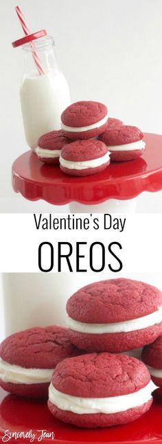 Valentine's Day Oreos - Simple dessert for Valentine's Day! | www.SincerelyJean.com