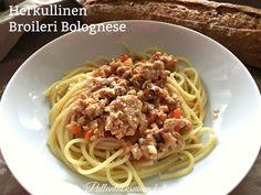 Pullantuoksuinen koti: Kermainen Broileri Bolognese. Creamy Chicken Bolognese.