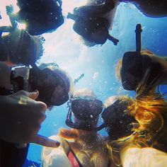 @aamandape you sure know how to get some #awesome #underwater #photos !! Hope you found some #seaturtle ☀️ #yolo #snorkeling #hawaii #beautfulday #aupair #aupairadventures #friends #sea #ocean