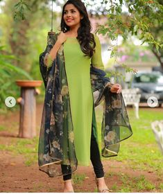 Buy Sea Green Silk Georgette Saree - Sarees Online in India Salwar Designs, Simple Kurti Designs, Kurta Designs Women, Kurti Designs Party Wear, Punjabi Salwar Suits, Patiala Salwar, Anarkali, Lehenga, Indian Designer Suits