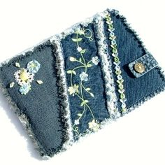 Denim kindle/tablet case. That's really cute.